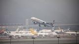 Откриха проблеми по най-малко 38 самолета Boeing 737 NG