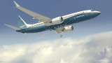 Самолетът на Boeing 737 Мax  може да остане приземен и през пиковия сезон на ваканционните пътувания